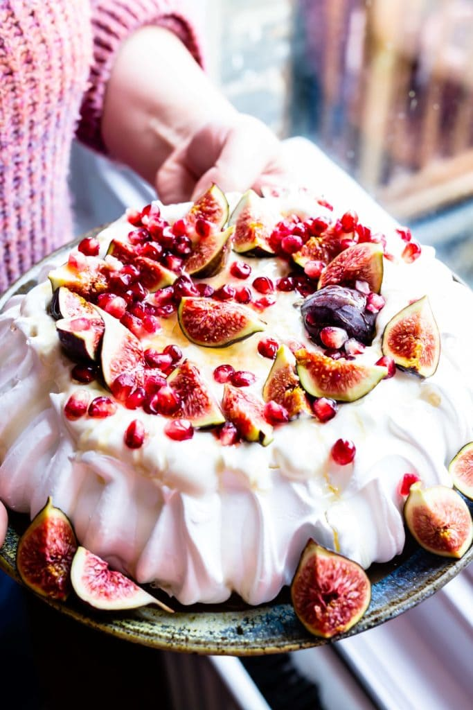 fig & honey pavlova